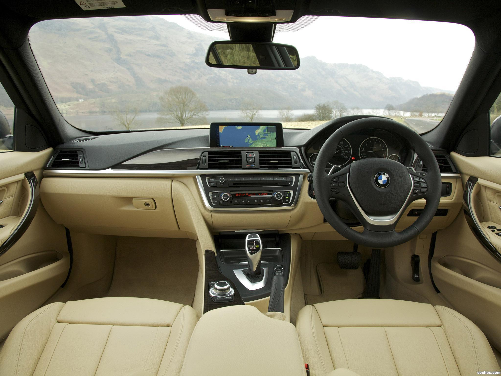 Foto 18 de BMW Serie 3 335i Sedan Luxury Line F30 UK 2012