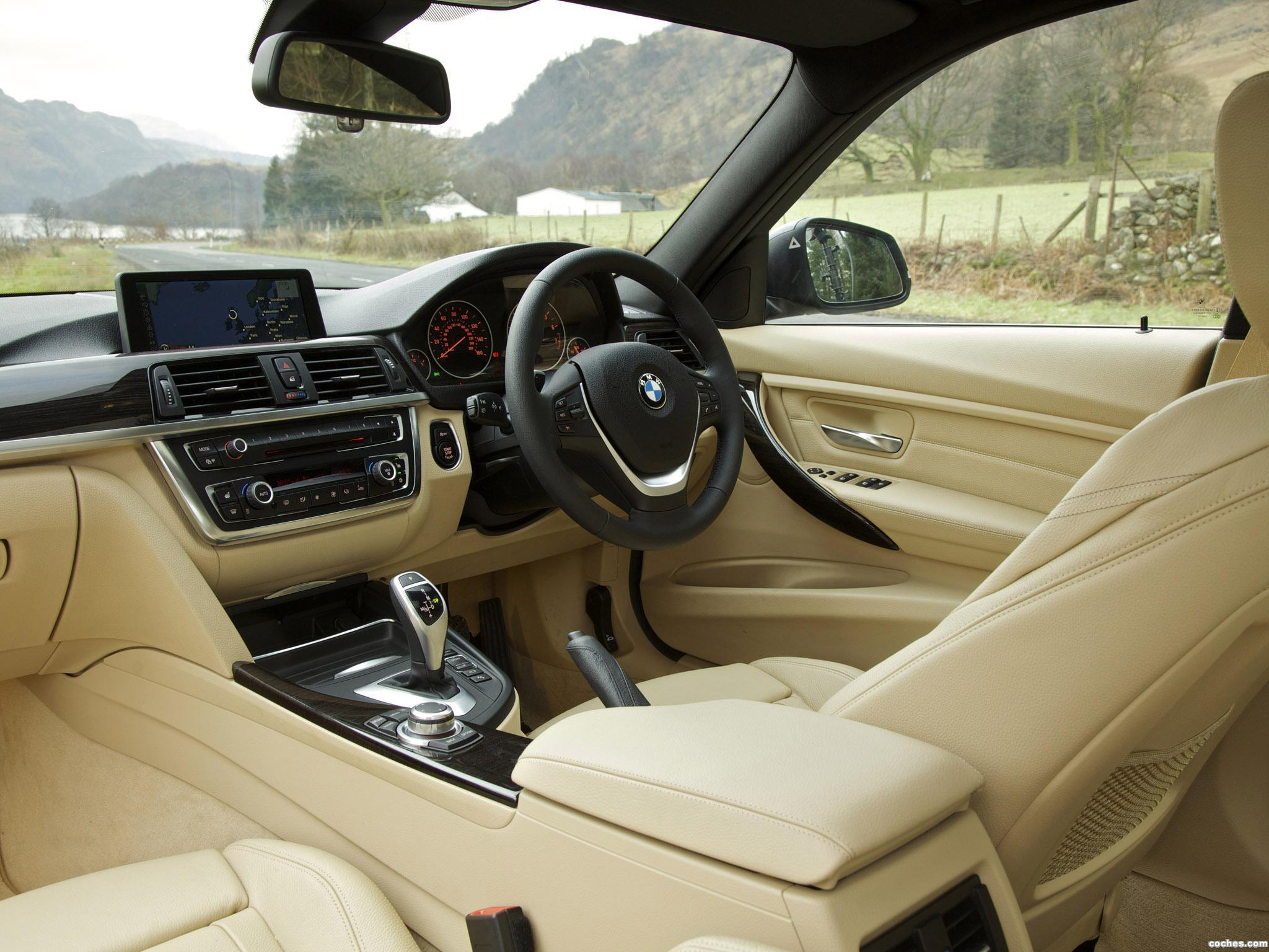Foto 17 de BMW Serie 3 335i Sedan Luxury Line F30 UK 2012