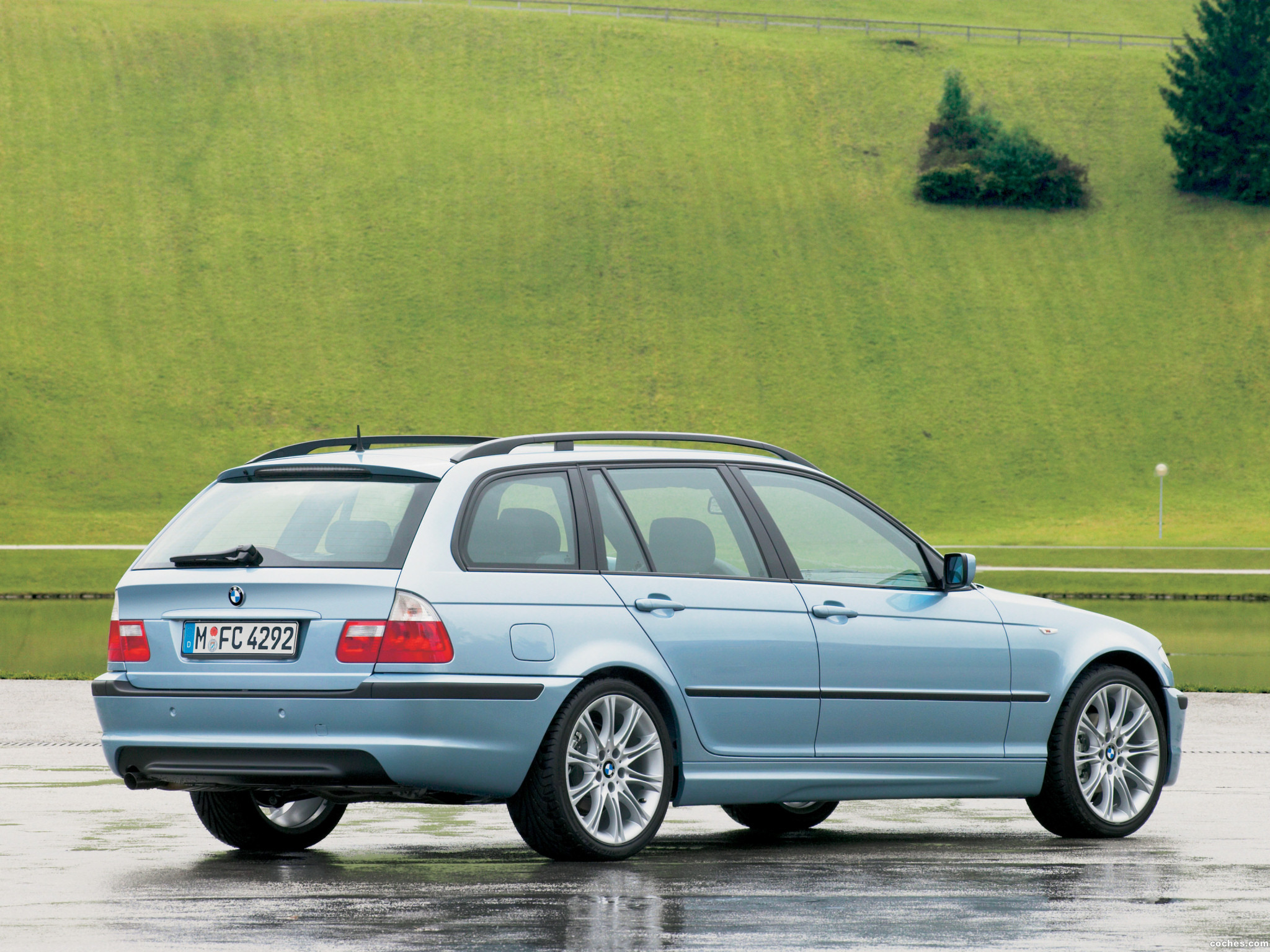 Foto 1 de BMW Serie 3 Touring 2001