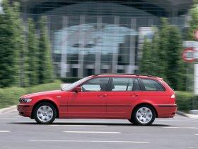 Ver foto 10 de BMW Serie 3 Touring 2001