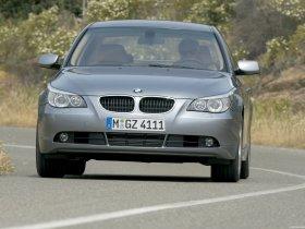 Ver foto 28 de BMW Serie 5 E60 2003