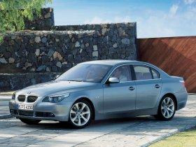 Ver foto 42 de BMW Serie 5 E60 2003