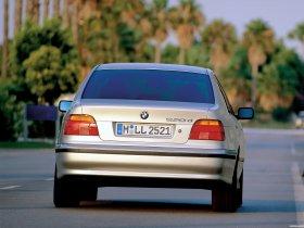 Ver foto 2 de BMW Serie 5 520d Sedan E39 2000