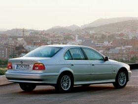 Ver foto 2 de BMW Serie 5 520i Sedan E39 2000
