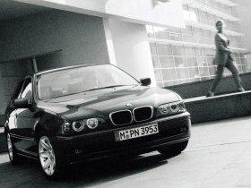 Ver foto 12 de BMW Serie 5 525i Sedan E39 2000