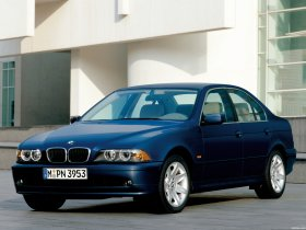 Ver foto 2 de BMW Serie 5 525i Sedan E39 2000