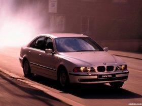 Ver foto 7 de BMW 5-Series 528i Sedan E39 1995