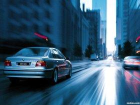 Ver foto 6 de BMW 5-Series 528i Sedan E39 1995