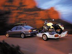 Ver foto 3 de BMW 5-Series 528i Sedan E39 1995