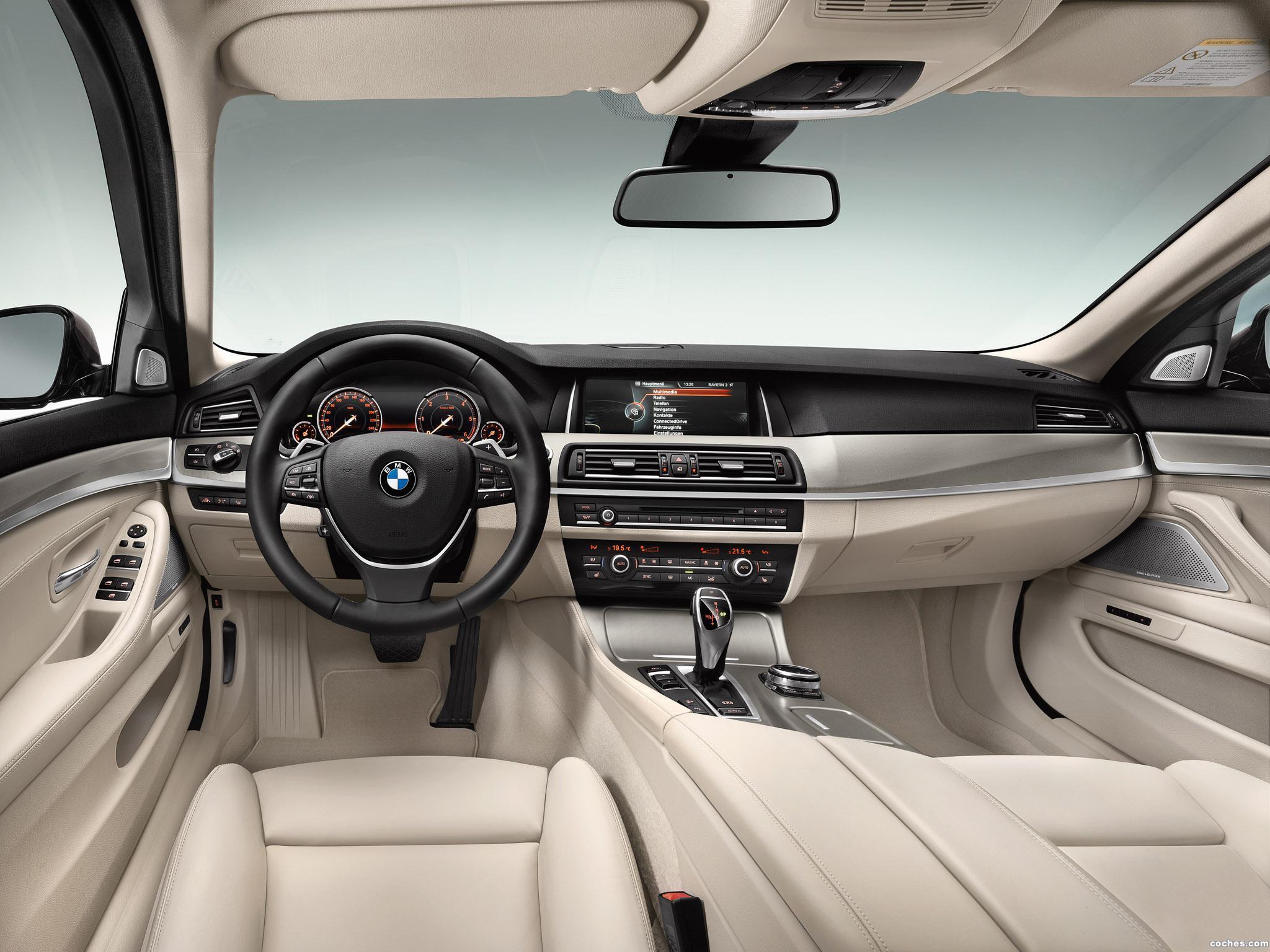 Foto 28 de BMW Serie 5 530d xDrive Touring Modern Line 2013