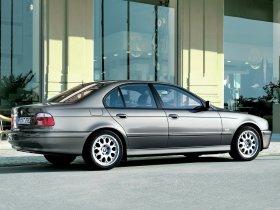 Ver foto 2 de BMW 5-Series 530i Sedan E39 2000