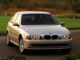 Fotos de BMW 5-Series 530i Sedan E39 2000