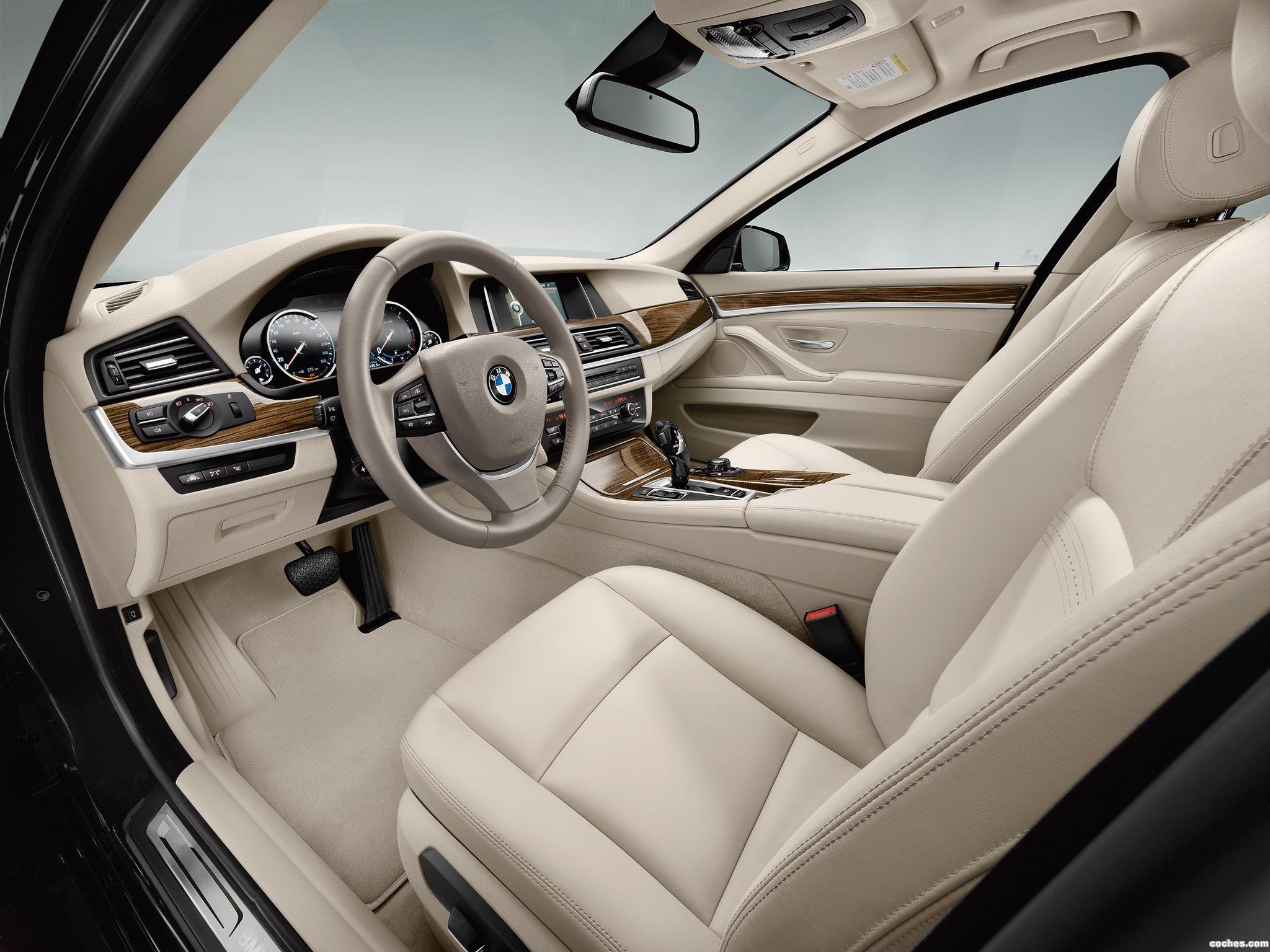 Foto 2 de BMW Serie 5 535d Touring Modern Line 2013