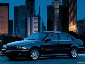 Ver foto 8 de BMW 5-Series 540i Sedan E39 1996
