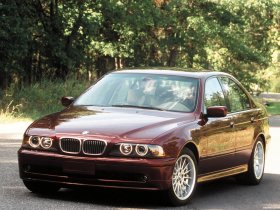 Ver foto 7 de BMW 5-Series 540i Sedan E39 1996