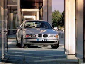 Ver foto 4 de BMW 5-Series 540i Sedan E39 1996