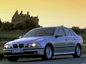 Fotos de BMW 5-Series 540i Sedan E39 1996