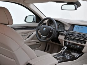 Ver foto 46 de BMW 5-Series Sedan 530d 2010
