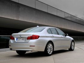 Ver foto 9 de BMW 5-Series Sedan 530d 2010