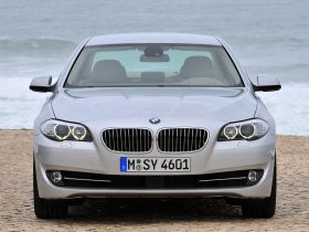 Ver foto 4 de BMW 5-Series Sedan 530d 2010
