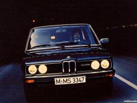 Ver foto 5 de BMW 5-Series Sedan E12 1976