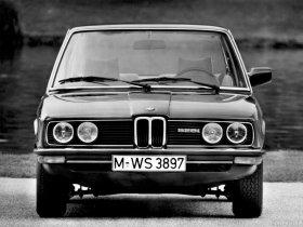 Ver foto 4 de BMW 5-Series Sedan E12 1976