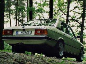 Ver foto 2 de BMW 5-Series Sedan E12 1976