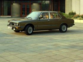 Ver foto 14 de BMW 5-Series Sedan E12 1976