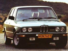 Ver foto 12 de BMW 5-Series Sedan E12 1976