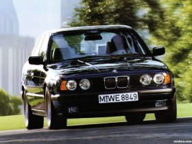 Fotos de BMW 5-Series Sedan E34