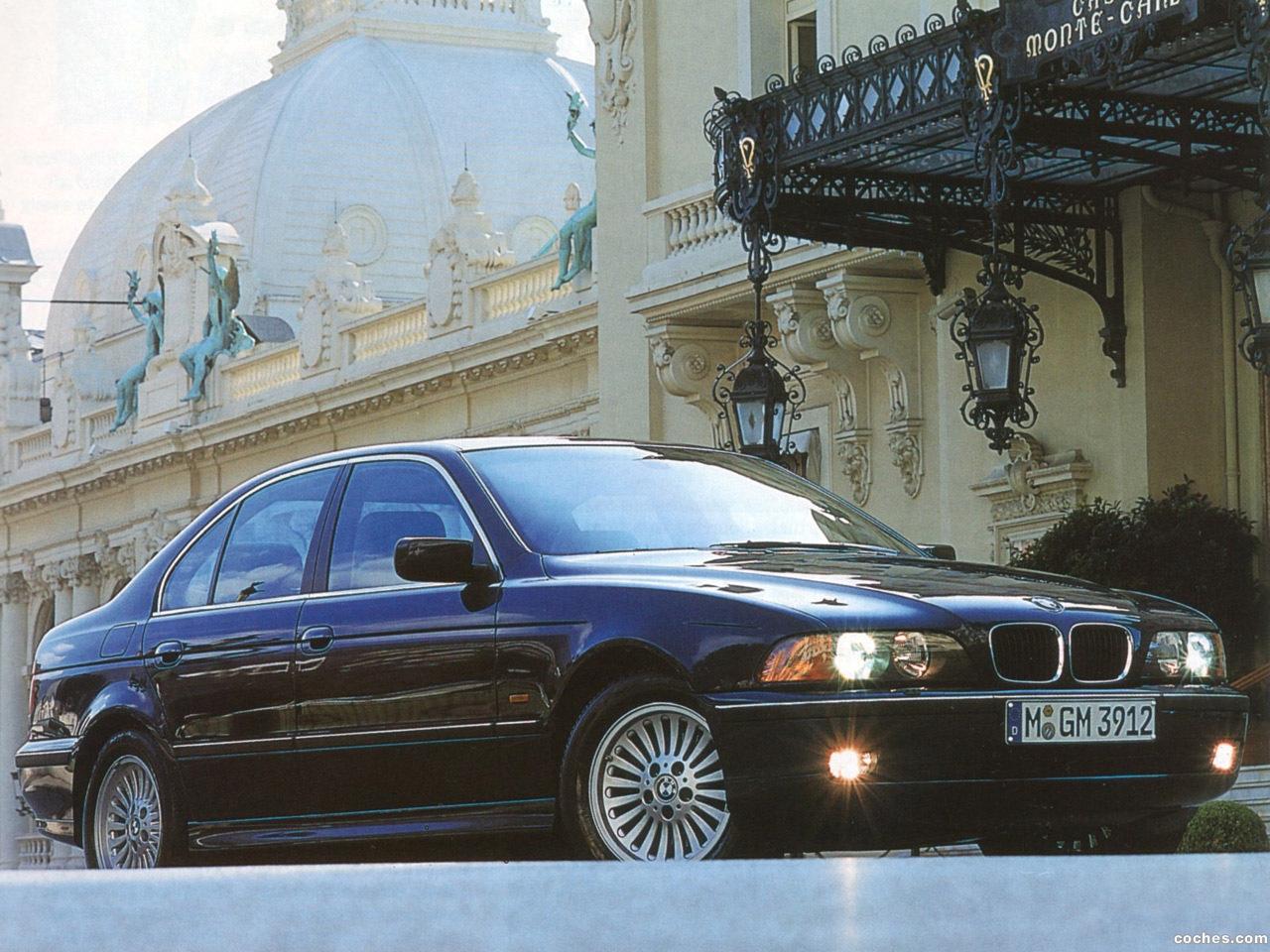 Foto 14 de BMW 5-Series Sedan E39 1995