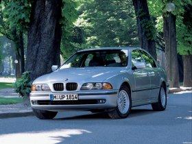 Ver foto 24 de BMW 5-Series Sedan E39 1995