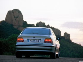 Ver foto 20 de BMW 5-Series Sedan E39 1995