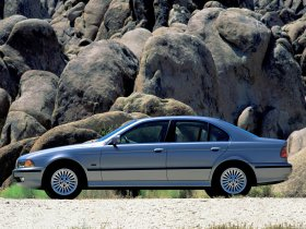 Ver foto 18 de BMW 5-Series Sedan E39 1995