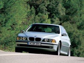Ver foto 17 de BMW 5-Series Sedan E39 1995