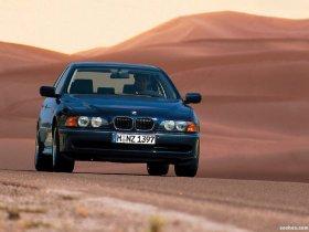 Ver foto 10 de BMW 5-Series Sedan E39 1995