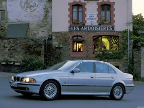 Fotos de BMW 5-Series Sedan E39 1995