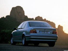 Ver foto 31 de BMW 5-Series Sedan E39 1995
