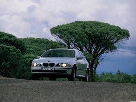 Ver foto 26 de BMW 5-Series Sedan E39 1995