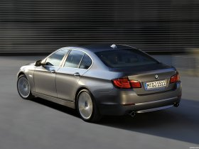 Ver foto 32 de BMW Serie 5 Sedan F10 2010
