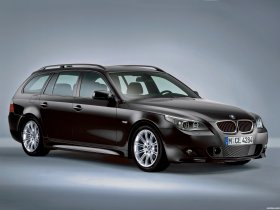 Ver foto 1 de BMW 5-Series Touring M package 2004