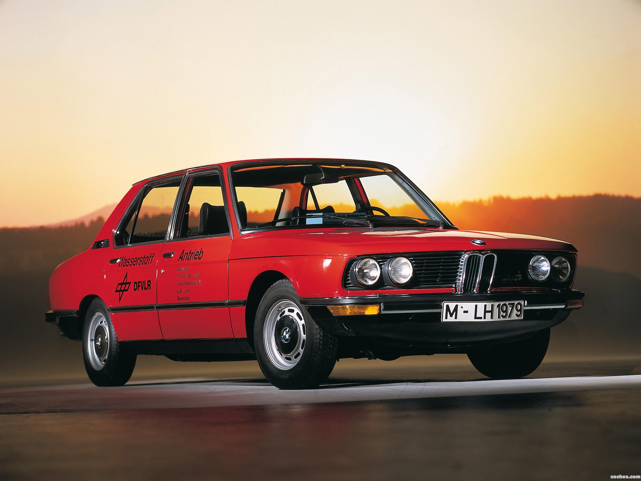 Foto 0 de BMW 5-Series Wasserstoff Antrieb E12 1979
