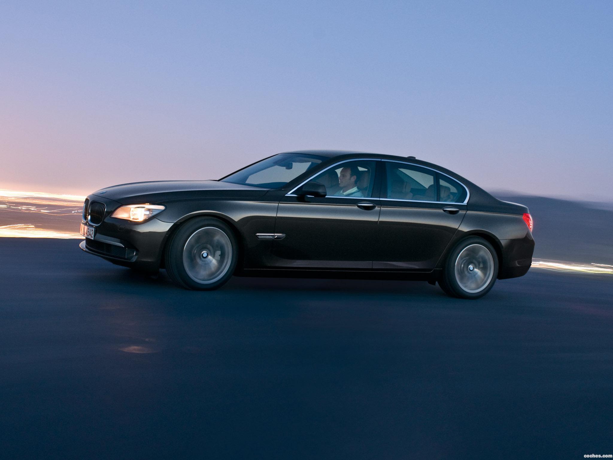 Foto 10 de BMW Serie 7 F01 2009