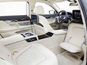 Ver foto 25 de BMW Serie 7 750Li xDrive Design Pure Excellence G12 2015