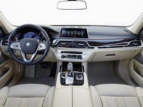 Ver foto 30 de BMW Serie 7 750Li xDrive Design Pure Excellence G12 2015