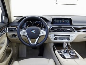 Ver foto 29 de BMW Serie 7 750Li xDrive Design Pure Excellence G12 2015