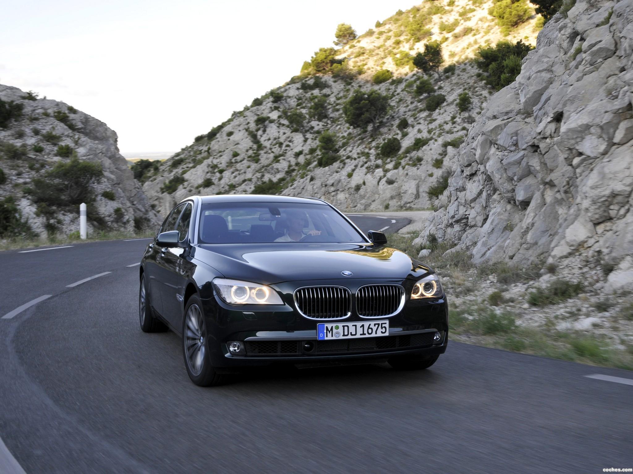 Foto 16 de BMW Serie 7 750Li xDrive F02 2008