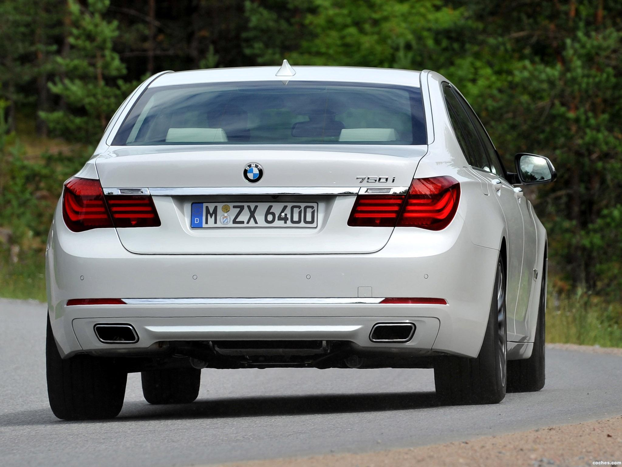Foto 10 de BMW Serie 7 750i F01 2012