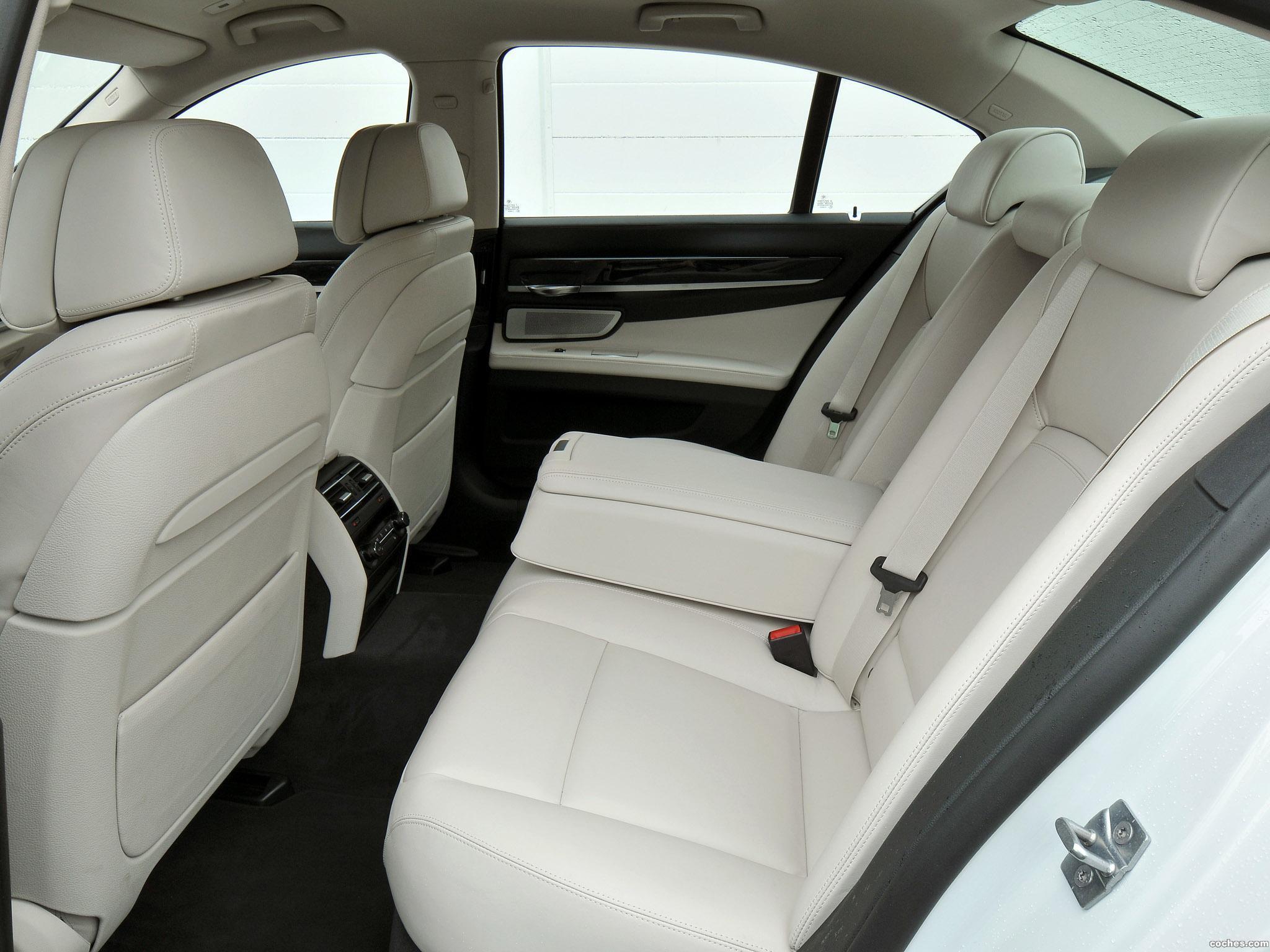 Foto 21 de BMW Serie 7 750i F01 2012