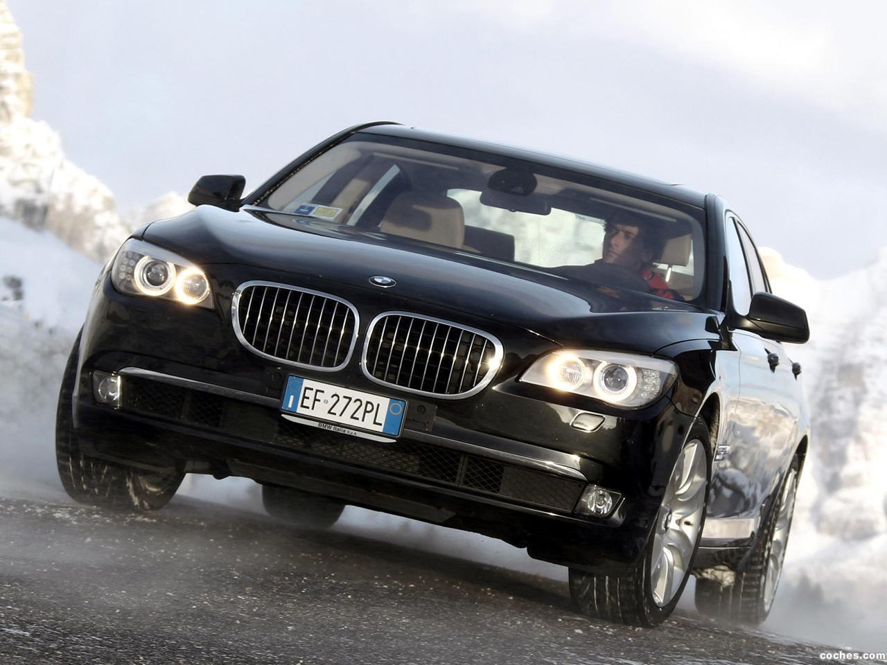 Foto 0 de BMW Serie 7 750i xDrive F01 2008